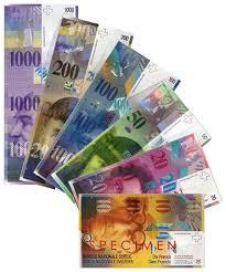 Tribunalul Vâlcea a dat câştig de cauză unei persoane care a luat un credit şi a cerut îngheţarea cursului de schimb leu – franc elveţian, magistraţii dispunând definitiv îngheţarea cursului la valoarea de la momentul încheierii contractului şi considerând drept abuzivă clauza de risc valutar.